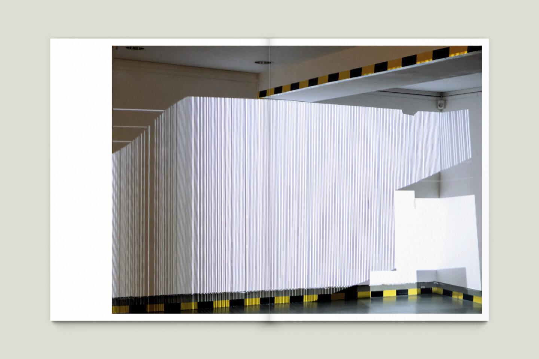 Kunstkatalog für Dagmar Lutz: Linie Raum Licht (Bsp. Innenseite 8/12)